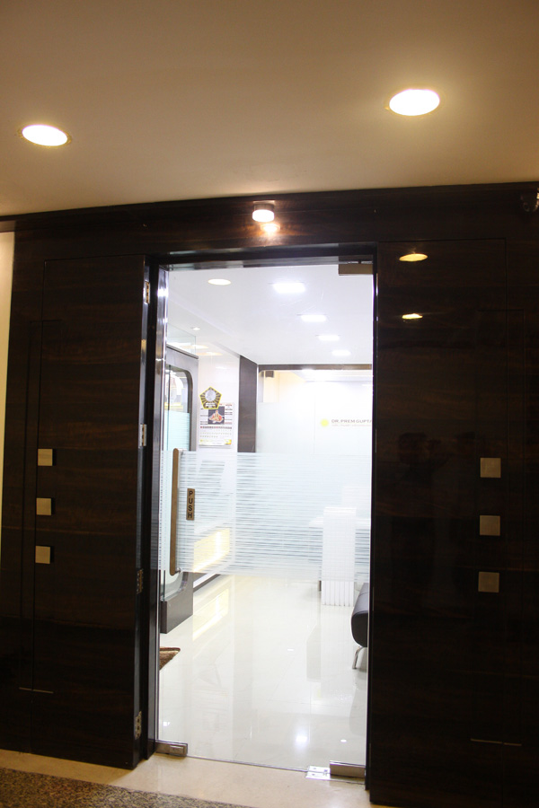 dr-prem-gupta-office-photo